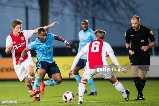 Carel Eiting of Jong Ajax Darren Rosheuvel of Jong FC Utrecht Edson Braafheid of Jong FC Utrecht Frenkie de Jong of Jong Ajaxduring the Jupiler...