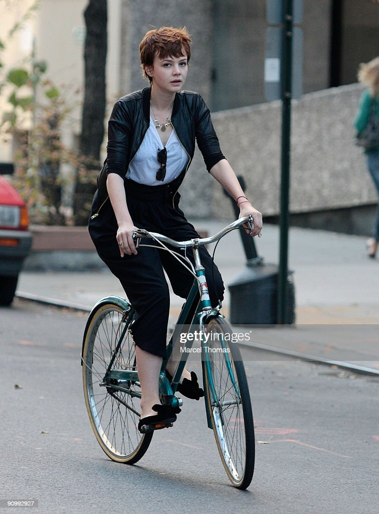Carey Mulligan is seen riding a bicycle on the streets of Manhattan on September 20, 2009 in New York City.