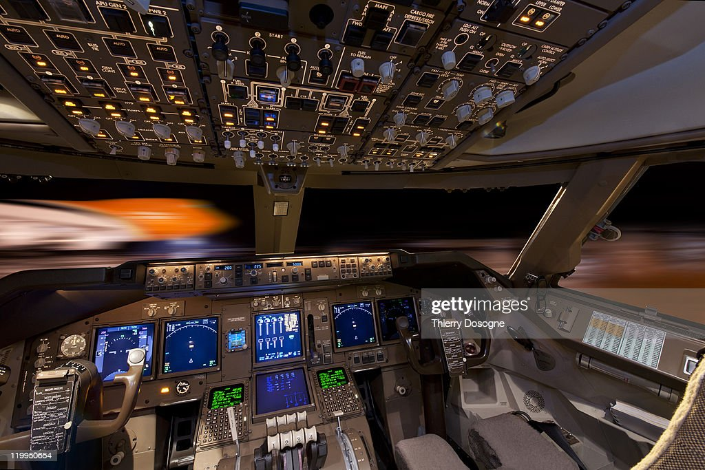Cargo airplane boeing 747 photo getty images for Interieur 747 cargo