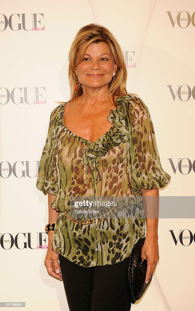 Cari Lapique arrives to the 'VII Vogue Joyas Awards' (VII Vogue Jewellery Awards) at the Madrid Stock Exchange Building on June 10, 2010 in Madrid, Spain.