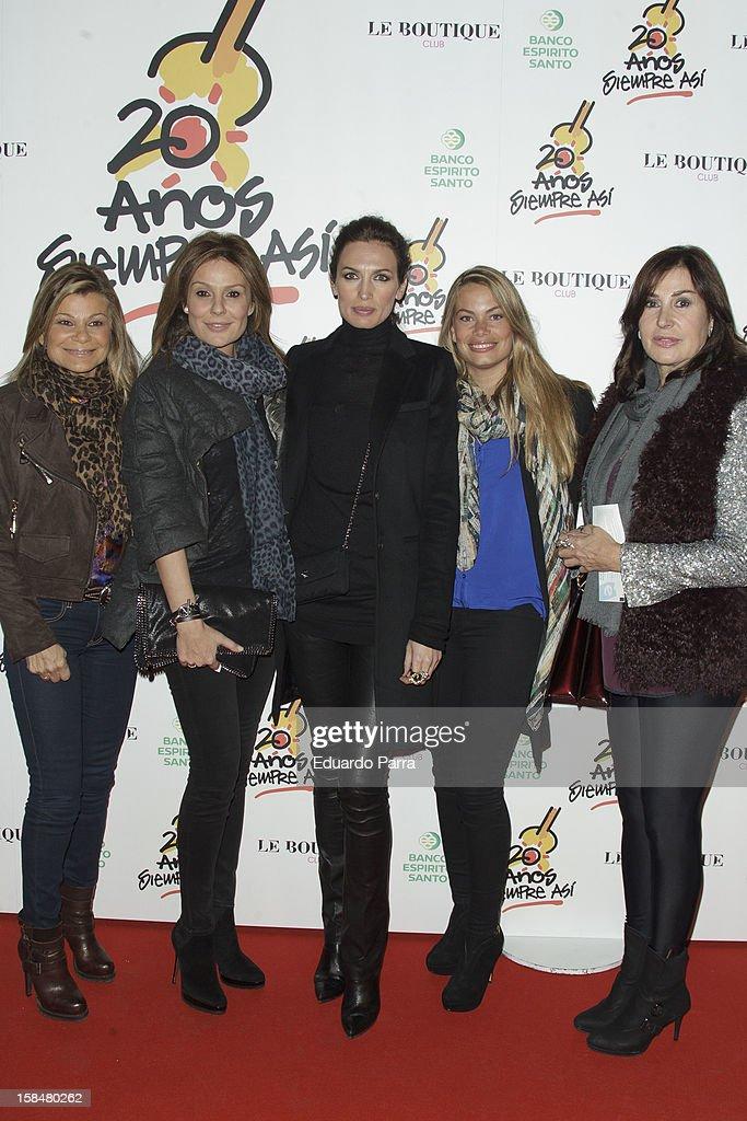 Cari Lapique, Nuria Gonzalez, Nieves Alvarez, Carla Goyanes and Carmen Martinez Bordiu attend '20 anos Siempre Asi' concert photocall at Rialto theatre on December 17, 2012 in Madrid, Spain.