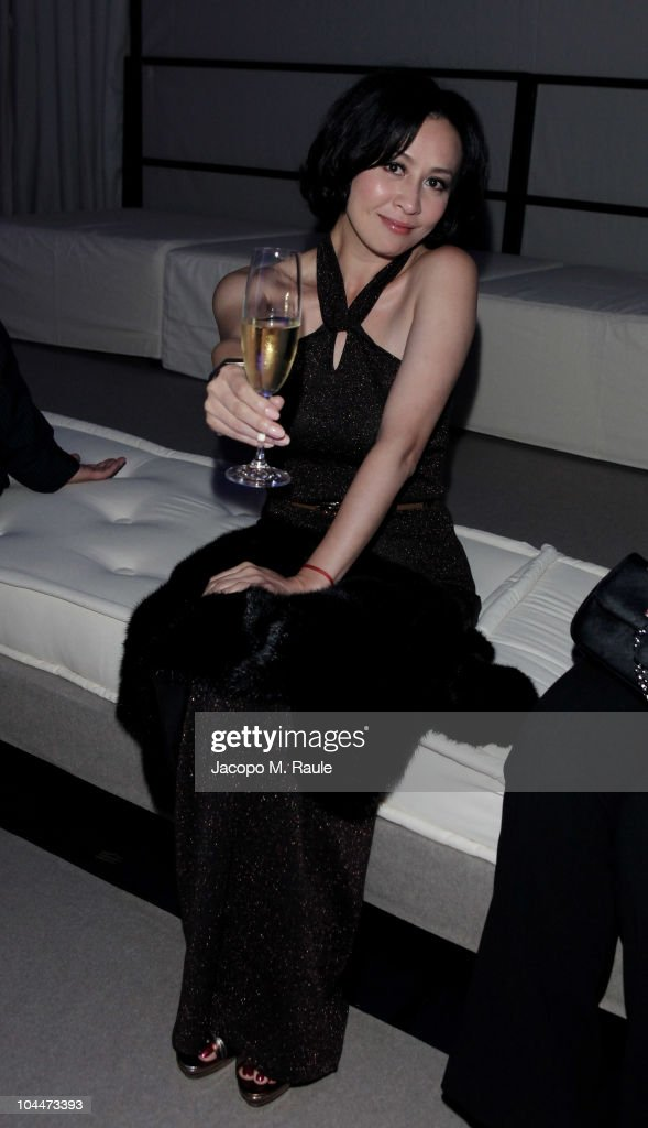 <a gi-track='captionPersonalityLinkClicked' href=/galleries/search?phrase=Carina+Lau&family=editorial&specificpeople=663580 ng-click='$event.stopPropagation()'>Carina Lau</a> attend the Salvatore Ferragamo - Seize The Moment - Party during Milano Fashion Week Womenwear Spring/Summer 2011 on September 26, 2010 in Milan, Italy.