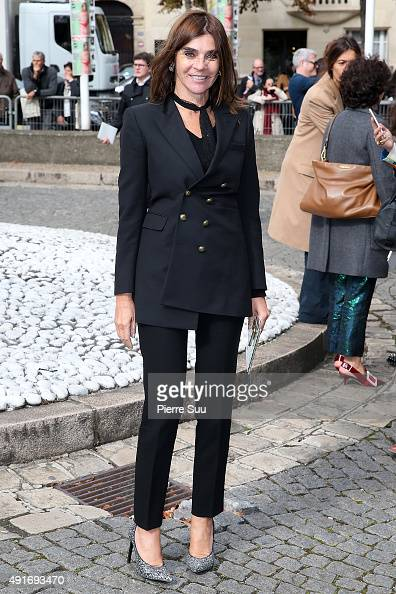 Carine Roitfeld arrives at the Miu Miu show as part of the Paris Fashion Week Womenswear Spring/Summer 2016 on October 7 2015 in Paris France