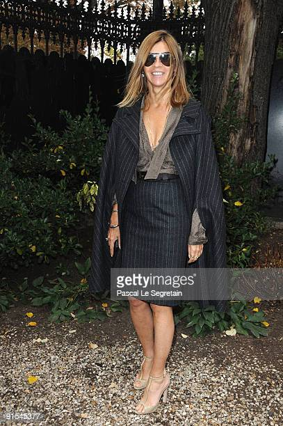 Carine Roitfeld arrives for the Miu Miu Pret a Porter show as part of the Paris Womenswear Fashion Week Spring/ Summer 2010 on October 7 2009 in...