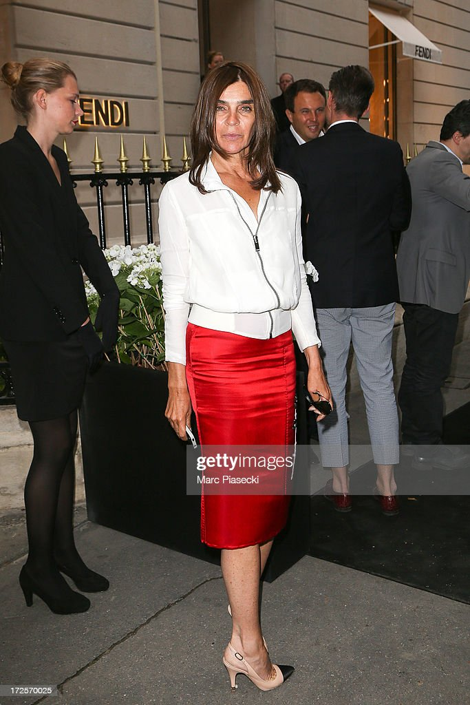 <a gi-track='captionPersonalityLinkClicked' href=/galleries/search?phrase=Carine+Roitfeld&family=editorial&specificpeople=240177 ng-click='$event.stopPropagation()'>Carine Roitfeld</a> arrives to attend the 'The Glory of Water' Karl Lagerfeld's exhibition at FENDI store on Avenue Montaigne on July 3, 2013 in Paris, France.