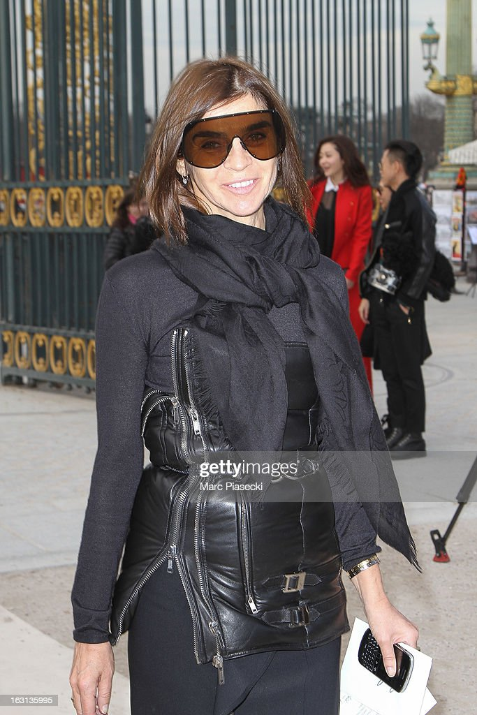 Carine Roitfeld arrives to attend the 'Valentino' Fall/Winter 2013 Ready-to-Wear show as part of Paris Fashion Week on March 5, 2013 in Paris, France.