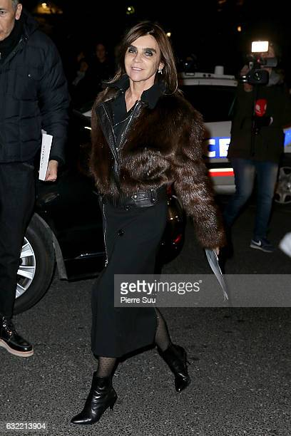 Carine Roitfeld attends the Givenchy Menswear Fall/Winter 20172018 show as part of Paris Fashion Week on January 20 2017 in Paris France