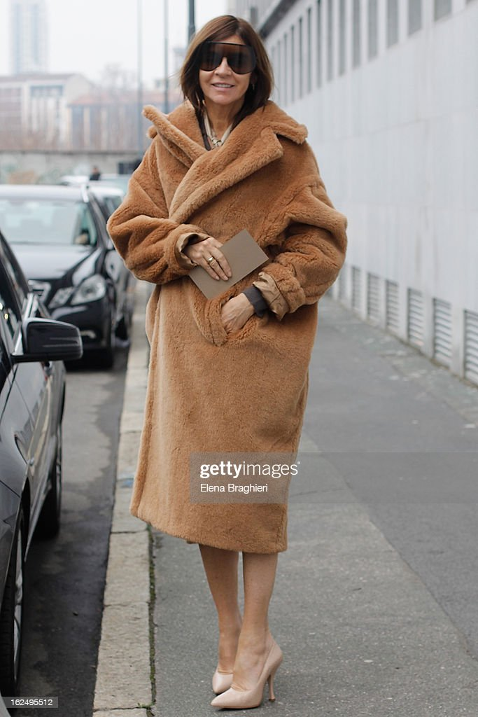 Carine Roitfeld attends the Milan Fashion Week Womenswear Fall/Winter 2013/14 on February 23, 2013 in Milan, Italy.