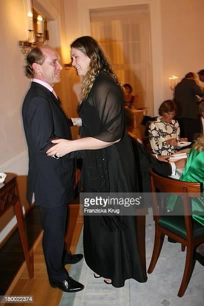 Carl Eduard Graf Von Bismarck Und Ehefrau Gräfin Nathalie Von Bismarck Bei Der Jubiläumsgala Zugunsten Des 'Chaim Sheba Medical Center In Tel Aviv'...