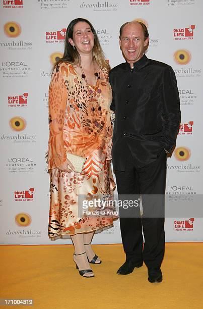 Carl Eduard Von Bismarck Mit Ehefrau Nathalie Beim 'Dreamball' Zugunsten Dkms Life Im Ritz Carlton In Berlin Am 210906