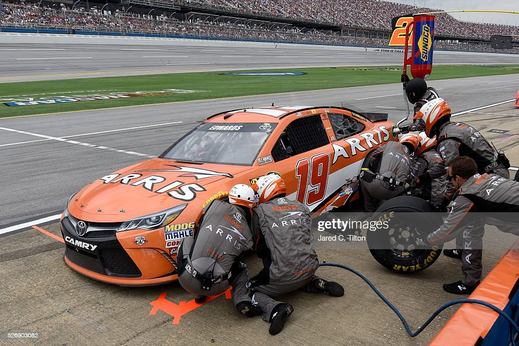 <a gi-track='captionPersonalityLinkClicked' href=/galleries/search?phrase=Carl+Edwards&family=editorial&specificpeople=193803 ng-click='$event.stopPropagation()'>Carl Edwards</a>, driver of the #19 ARRIS Toyota, pits during the NASCAR Sprint Cup Series GEICO 500 at Talladega Superspeedway on May 1, 2016 in Talladega, Alabama.