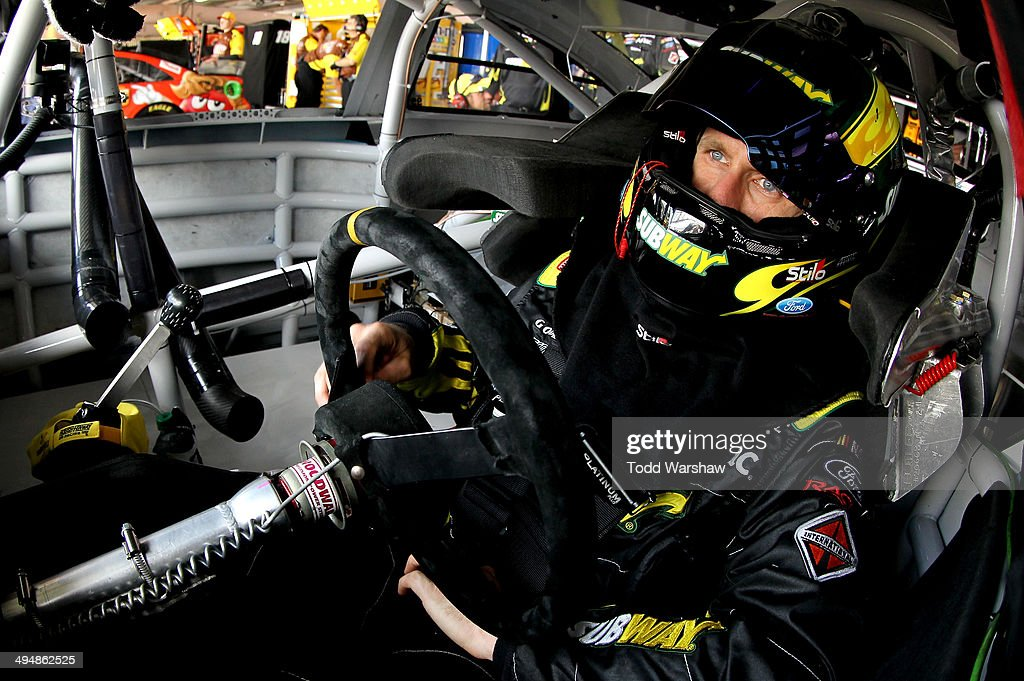 <a gi-track='captionPersonalityLinkClicked' href=/galleries/search?phrase=Carl+Edwards+-+Racecar+Driver&family=editorial&specificpeople=193803 ng-click='$event.stopPropagation()'>Carl Edwards</a>, driver of the #99 Subway Ford, sits in his car during practice for the NASCAR Sprint Cup Series FedEx 400 Benefiting Autism Speaks at Dover International Speedway on May 31, 2014 in Dover, Delaware.