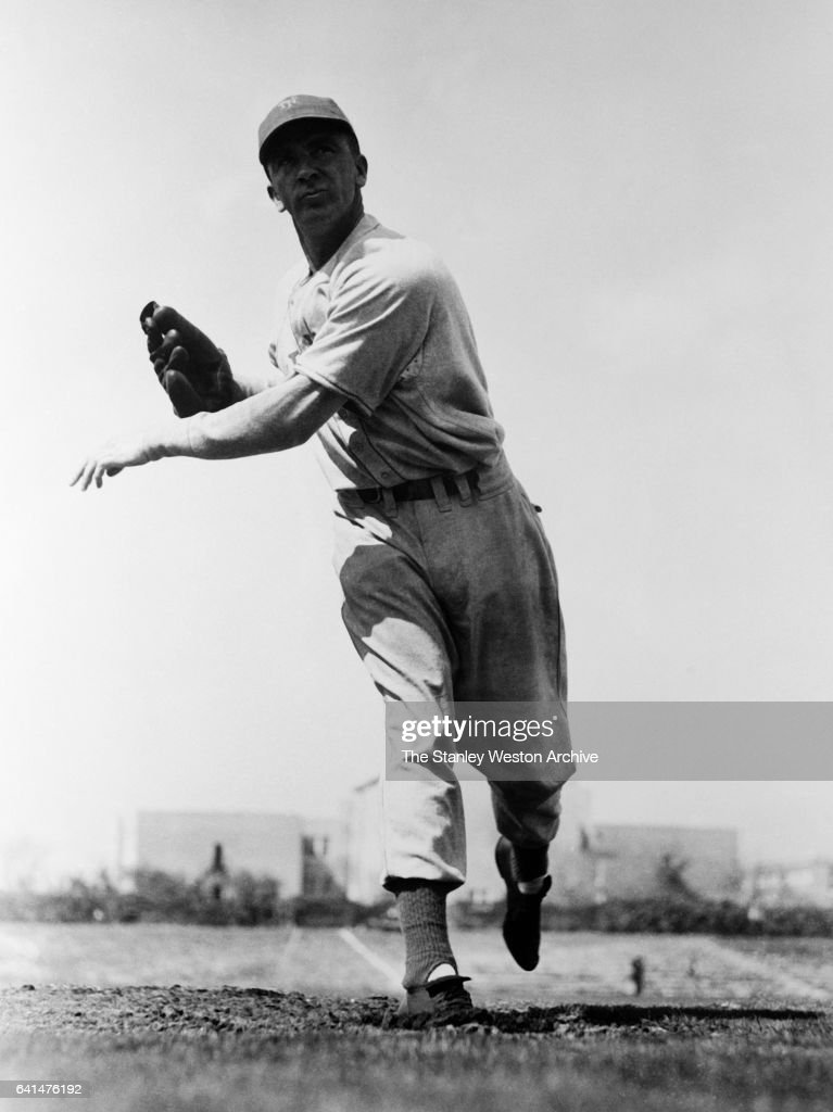Carl Hubbell, pitcher for the New York Giants, throwing the ball, circa 1930.