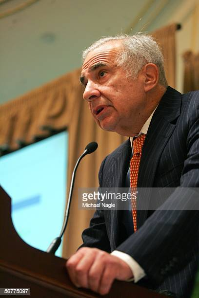 Carl Icahn speaks at a media conference where Lazard issued a report on Time Warner at the St Regis on February 7 2006 in New York City Icahn is...