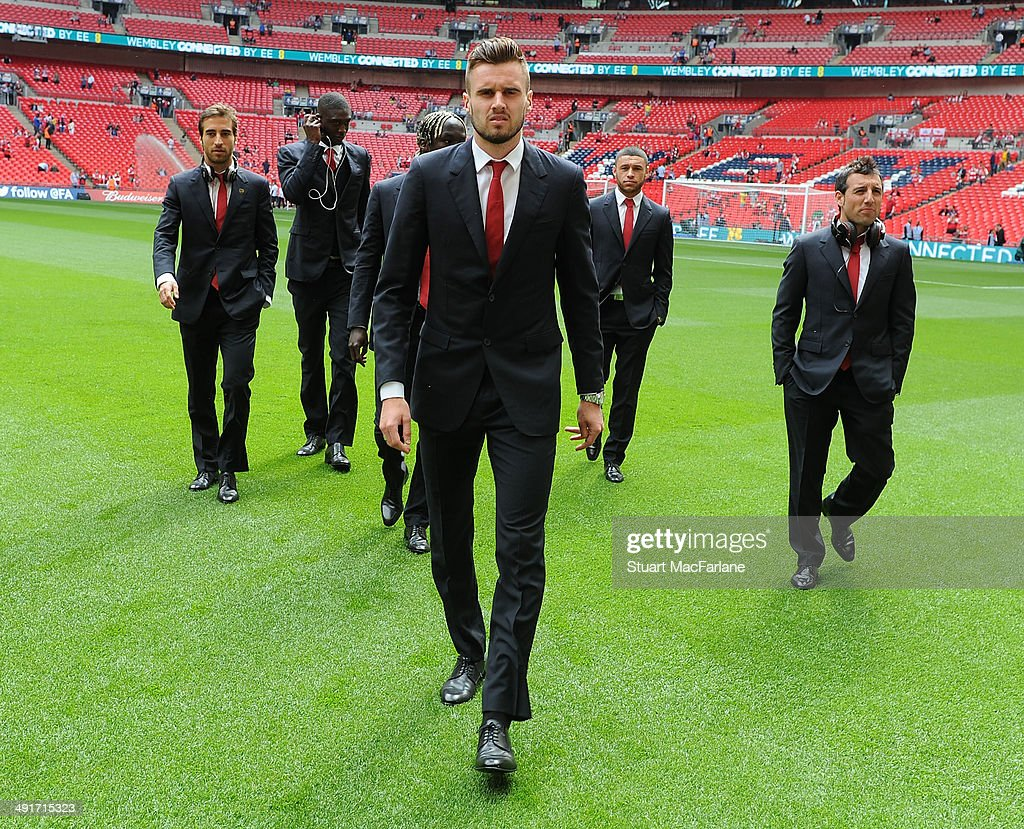 <a gi-track='captionPersonalityLinkClicked' href=/galleries/search?phrase=Carl+Jenkinson&family=editorial&specificpeople=7935131 ng-click='$event.stopPropagation()'>Carl Jenkinson</a> of Arsenal before the FA Cup Final between Arsenal and Hull City at Wembley Stadium on May 17, 2014 in London, England.