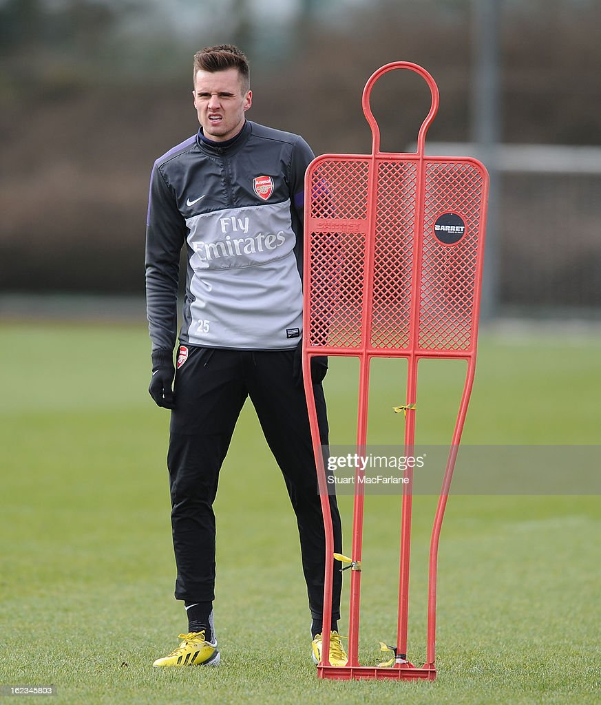 <a gi-track='captionPersonalityLinkClicked' href=/galleries/search?phrase=Carl+Jenkinson&family=editorial&specificpeople=7935131 ng-click='$event.stopPropagation()'>Carl Jenkinson</a> of Arsenal during a training session at London Colney on February 22, 2013 in St Albans, England.