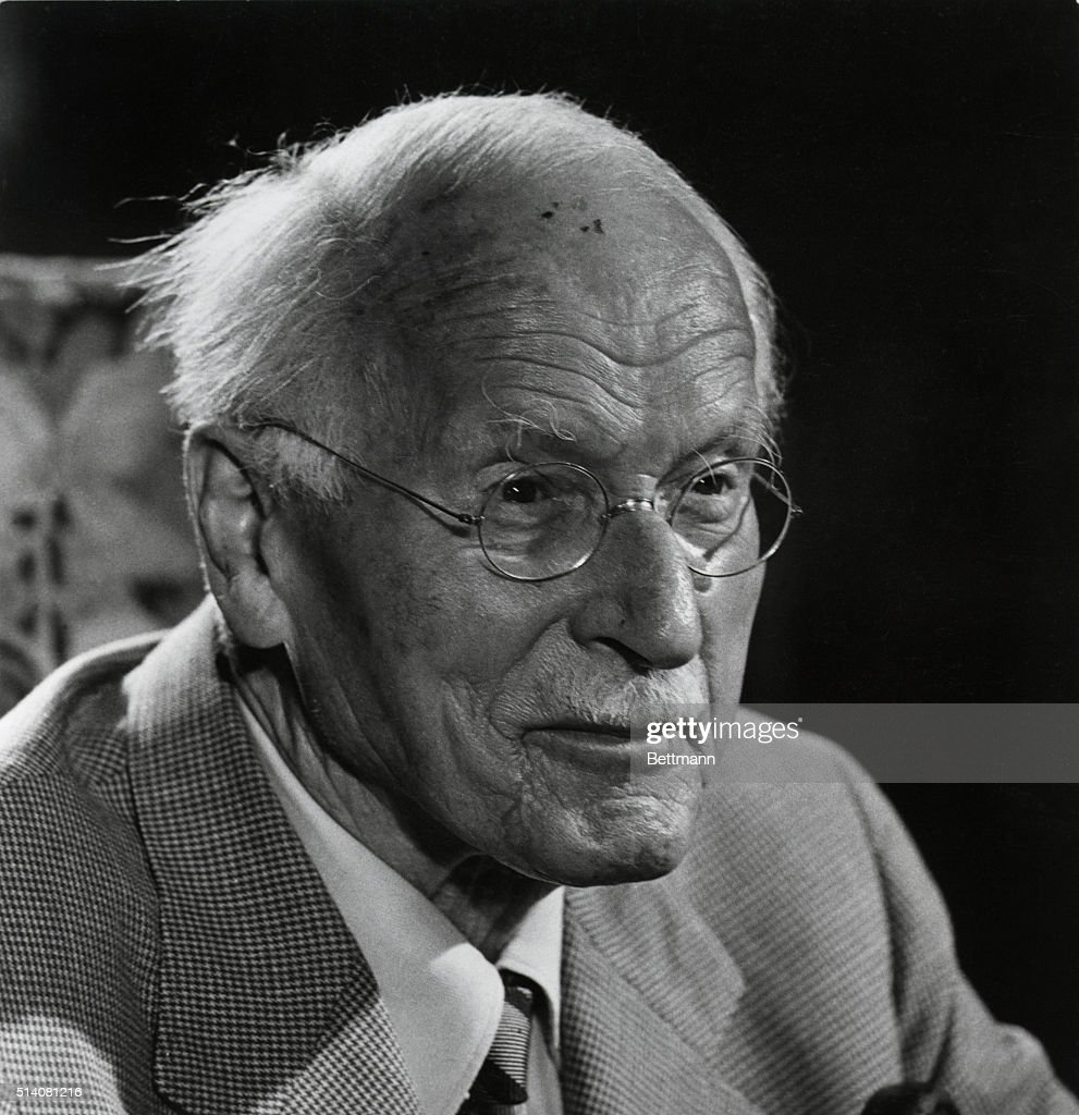 the early life and personality theory of carl jung In this lesson, we will be discussing carl jung's theories specifically, we will look at his theories on personality, dream analysis and the.