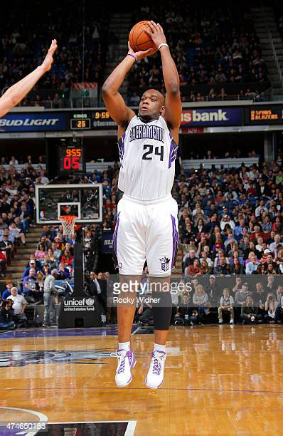 Carl Landry of the Sacramento Kings shoots against the Golden State Warriors on February 19 2014 at Sleep Train Arena in Sacramento California NOTE...