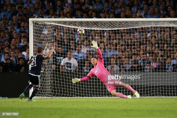 Carl Valeri of Melbourne Victory misses his shot at goal in the penalty shoot out as Sydney FC goalkeeper Danny Vukovic defends during the 2017...
