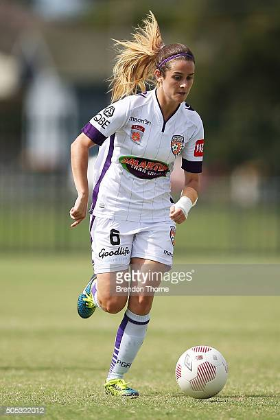 Carla Bennett of the Glory controls the ball during the round 14 WLeague match between the Western Sydney Wanderers and the Perth Glory at Popondetta...