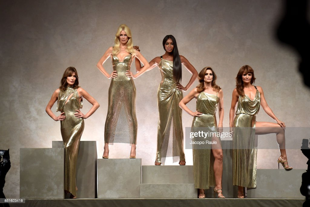 carla-bruni-claudia-schiffer-naomi-campbell-cindy-crawford-and-helena-picture-id851623416