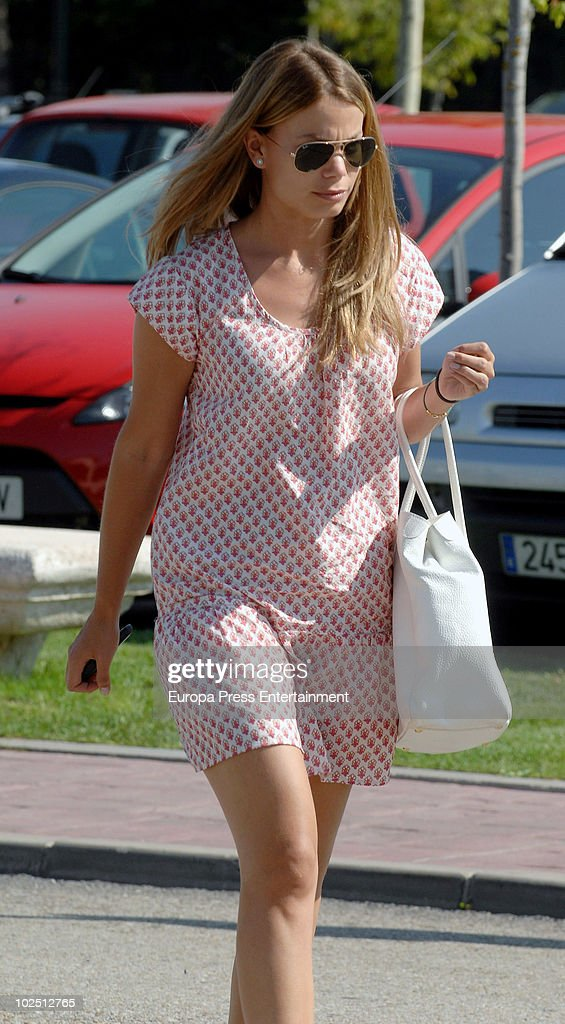 Carla Goyanes attends the funeral chapel for Isabel GarciaYebenes at La Paz morgue on June 28 2010 in Madrid Spain