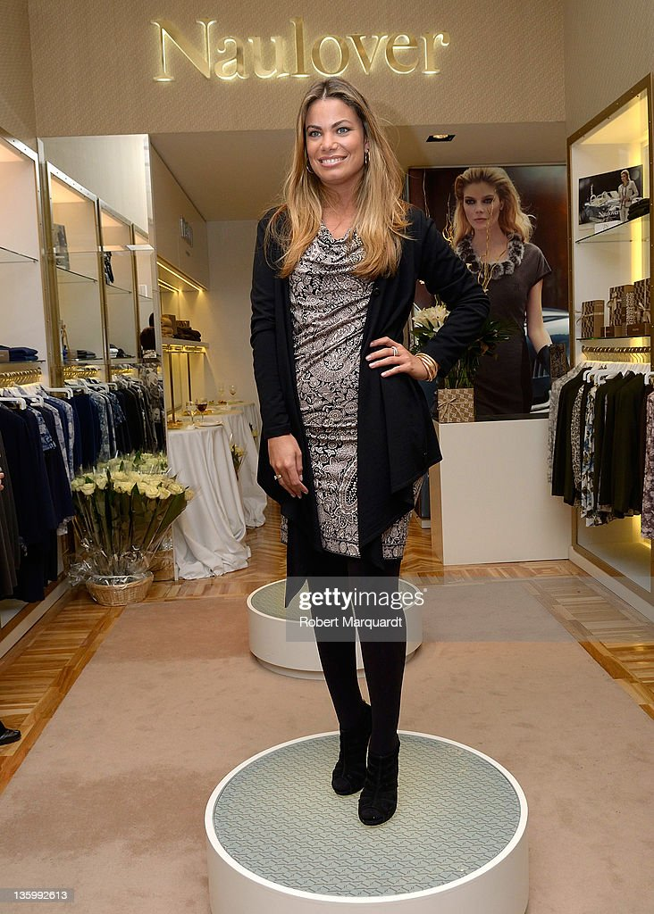 Carla Goyanes attends the Naulover Boutique inauguration on December 15 2011 in Barcelona Spain