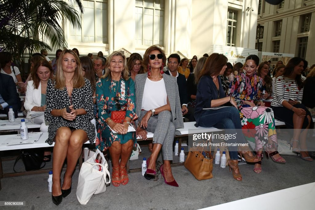Carla Goyanes, Cari Lapique, Naty Abascal, Maribel Yebenes, Nuria Gonzalez and Eugenia Silva attend 'The Petite Fashion Week' Photocall at Cibeles Palace on October 6, 2017 in Madrid, Spain.