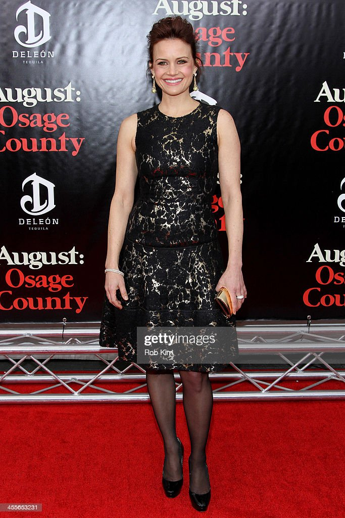 <a gi-track='captionPersonalityLinkClicked' href=/galleries/search?phrase=Carla+Gugino&family=editorial&specificpeople=207137 ng-click='$event.stopPropagation()'>Carla Gugino</a> attends the premiere of