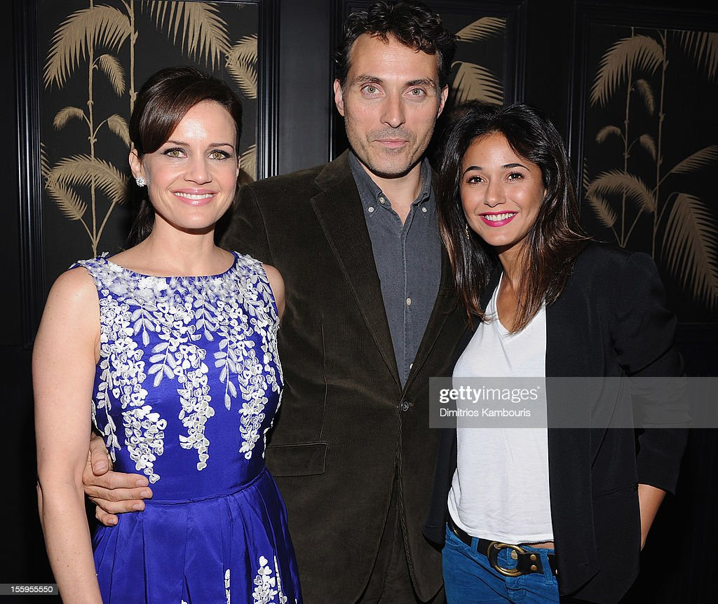 <a gi-track='captionPersonalityLinkClicked' href=/galleries/search?phrase=Carla+Gugino&family=editorial&specificpeople=207137 ng-click='$event.stopPropagation()'>Carla Gugino</a>, <a gi-track='captionPersonalityLinkClicked' href=/galleries/search?phrase=Rufus+Sewell&family=editorial&specificpeople=558279 ng-click='$event.stopPropagation()'>Rufus Sewell</a> and <a gi-track='captionPersonalityLinkClicked' href=/galleries/search?phrase=Emmanuelle+Chriqui&family=editorial&specificpeople=541098 ng-click='$event.stopPropagation()'>Emmanuelle Chriqui</a> attend the after party for the Gato Negro Films & The Cinema Society screening of 'Hotel Noir' at No. 8 on November 9, 2012 in New York City.