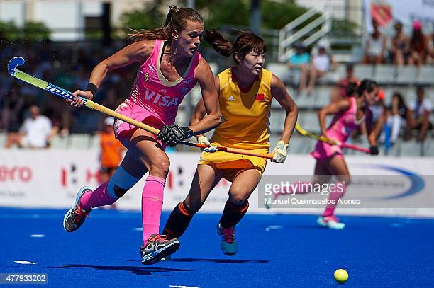 Carla Rebecchi of Argentina runs with the ball during the match between Argentina and China at Polideportivo Virgen del Carmen during day seven of...