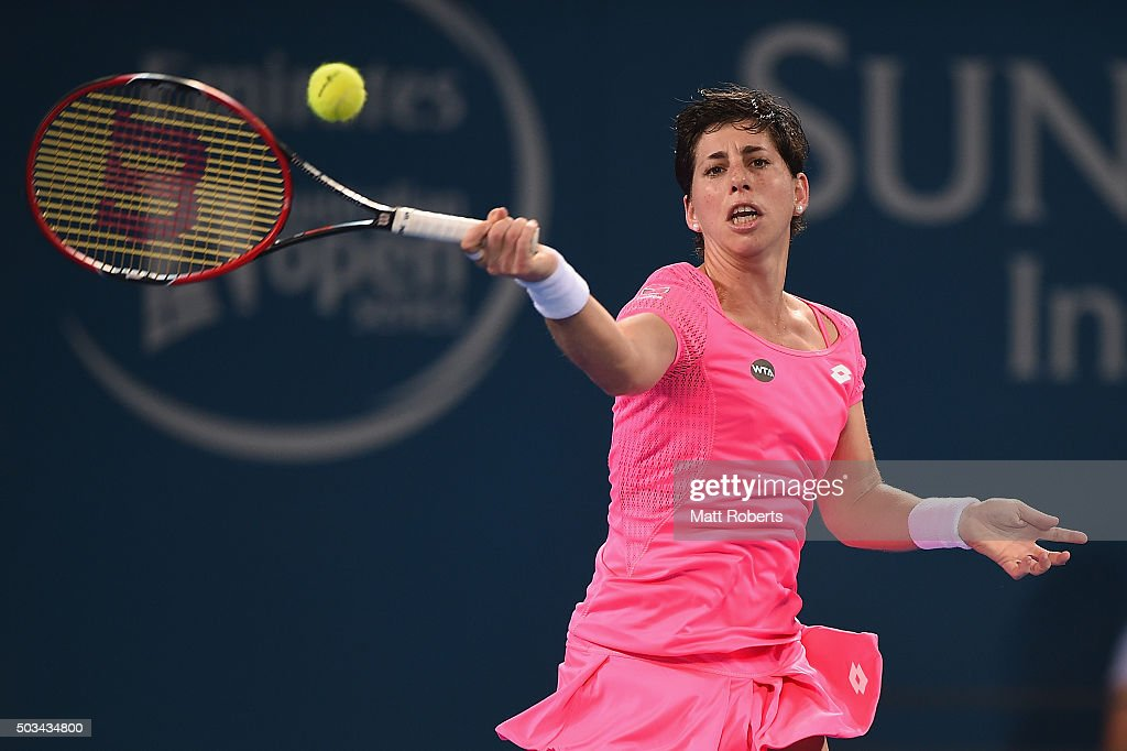 <a gi-track='captionPersonalityLinkClicked' href=/galleries/search?phrase=Carla+Suarez+Navarro&family=editorial&specificpeople=5294252 ng-click='$event.stopPropagation()'>Carla Suarez Navarro</a> of Spain plays a forehand against Sam Stosur of Australia during day three of the 2016 Brisbane International at Pat Rafter Arena on January 5, 2016 in Brisbane, Australia.