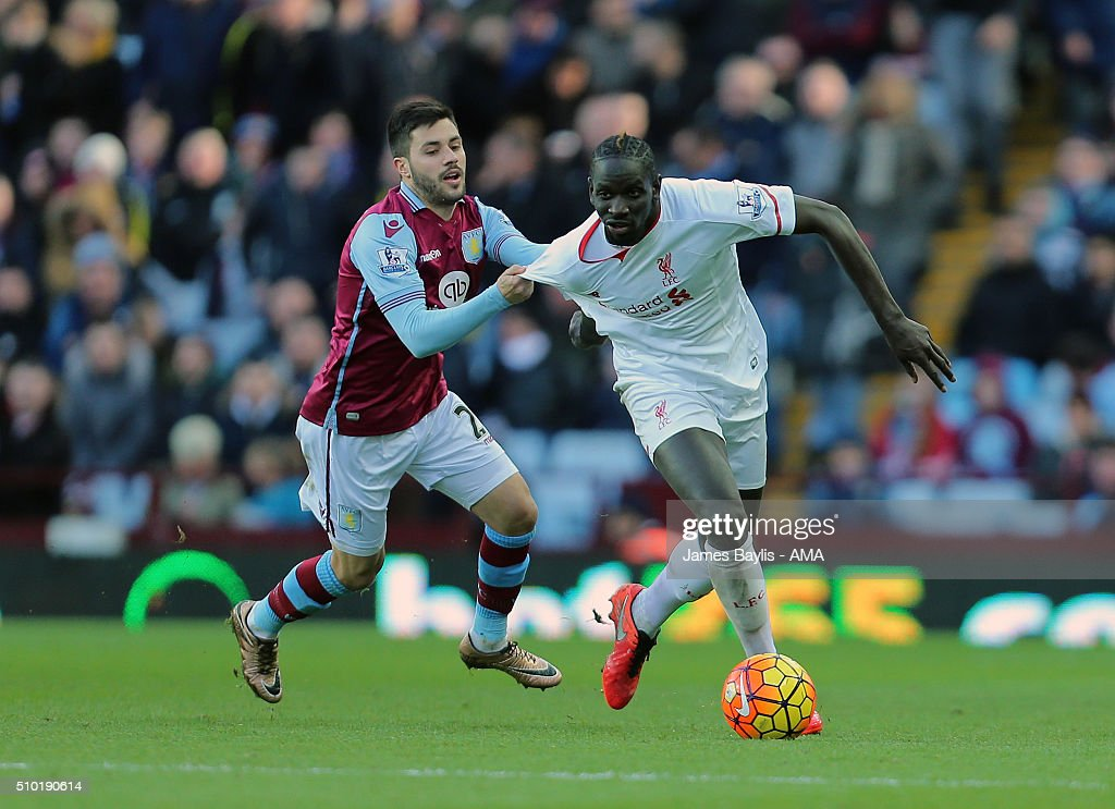 Carles Gil of Aston Villa and Mamadou Sakho of Liverpool during the Barclays Premier League match between Aston Villa and Liverpool at Villa Park on February 14, 2016 in Birmingham, England.