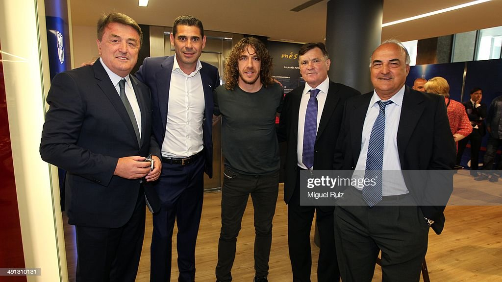 <a gi-track='captionPersonalityLinkClicked' href=/galleries/search?phrase=Carles+Puyol&family=editorial&specificpeople=211383 ng-click='$event.stopPropagation()'>Carles Puyol</a> (C) of FC Barcelona poses with <a gi-track='captionPersonalityLinkClicked' href=/galleries/search?phrase=Radomir+Antic&family=editorial&specificpeople=2595607 ng-click='$event.stopPropagation()'>Radomir Antic</a>, <a gi-track='captionPersonalityLinkClicked' href=/galleries/search?phrase=Fernando+Hierro&family=editorial&specificpeople=204337 ng-click='$event.stopPropagation()'>Fernando Hierro</a>, Jose Antonio Camacho and Jose Ignacio Saez during the farewell press conference as Puyol leaves FC Barcelona at the Auditorium 1899 on May 15, 2014 in Barcelona, Spain.