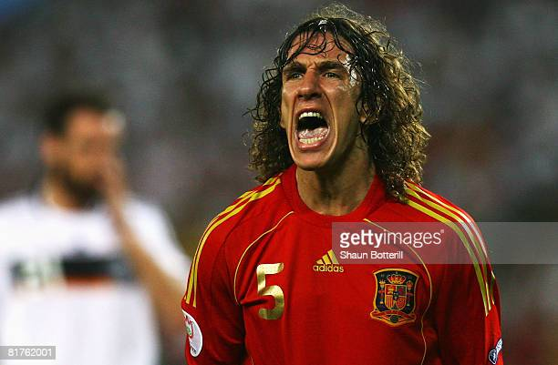 Carles Puyol of Spain shouts during the UEFA EURO 2008 Final match between Germany and Spain at Ernst Happel Stadion on June 29 2008 in Vienna Austria