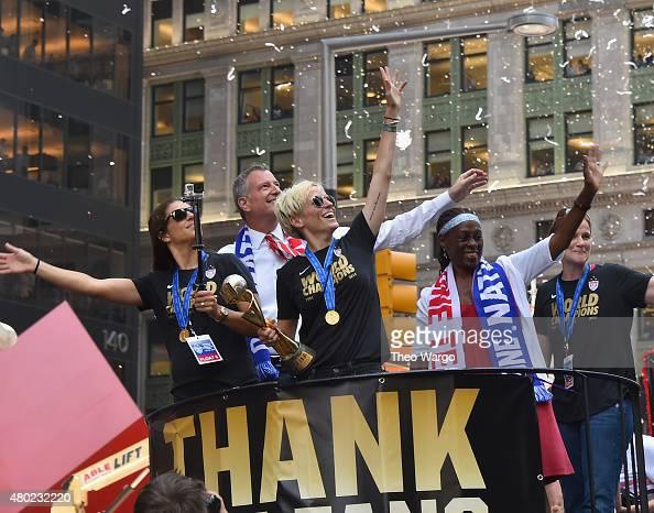 女性 行進 ストックフォトと画像 | Getty Images