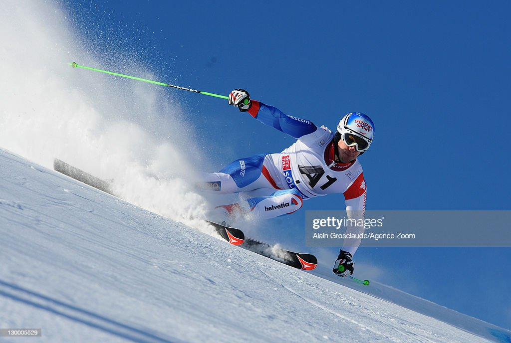 <a gi-track='captionPersonalityLinkClicked' href=/galleries/search?phrase=Carlo+Janka&family=editorial&specificpeople=5622589 ng-click='$event.stopPropagation()'>Carlo Janka</a> of Switzerland competes during the Audi FIS Alpine Ski World Cup Men's Giant Slalom on October 23, 2011 in Soelden, Austria.