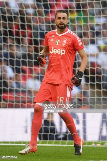 Carlo Pinsoglio of Juve in action during the preseason match between Tottenham Hotspur and Juventus at Wembley Stadium on August 5 2017 in London...