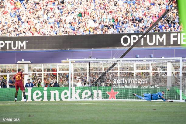 Carlo Pinsoglio of Juventus stops Andrea Romagnoli penalty kick during the International Champions Cup 2017 match between AS Roma and Juventus at...
