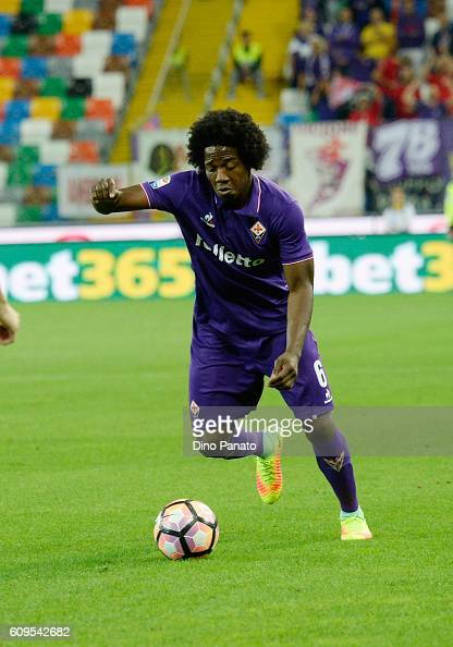 Carlos Alberto Sanchez of ACF Fiorentina in action during the Serie A match between Udinese Calcio and ACF Fiorentina at Stadio Friuli on September...