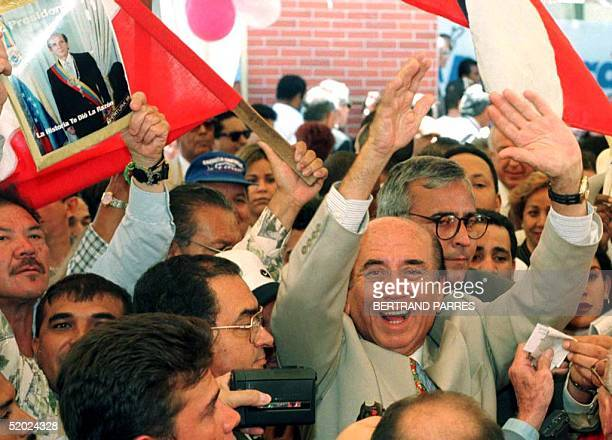 Carlos Andres Perez expresident of Venezuela greets his supporters during the inauguration of the headquarters of the new movement Apertura after...