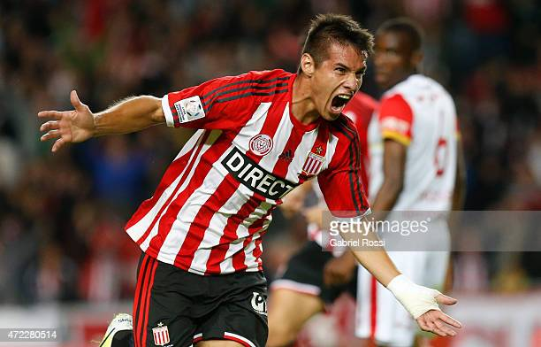 Carlos Auzqui of Estudiantes celebrates after scoring the opening goal during a first leg match between Estudiantes and Independiente Santa Fe as...