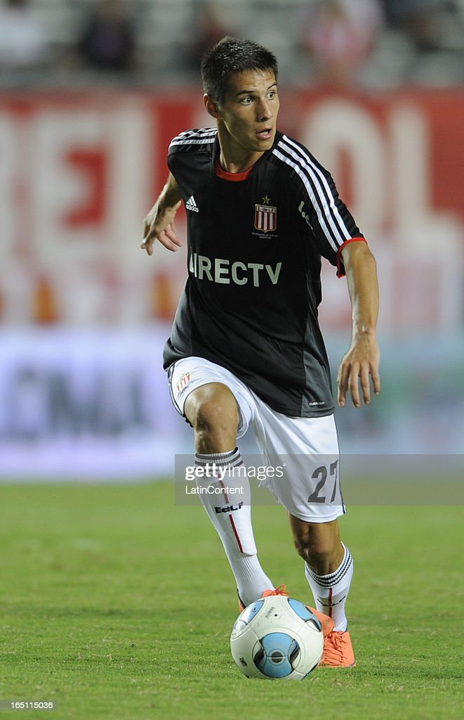 Carlos Auzqui of Estudiantes de La Plata during a match between Estudiantes and Racing as part of the 7th round of the Torneo Final 2013 at Ciudad de La Plata stadium on March 30, 2013 in La Plata, Argentina.