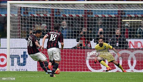Carlos Bacca of AC Milan scores the opening goal during the Serie A match between AC Milan and US Sassuolo Calcio at Stadio Giuseppe Meazza on...