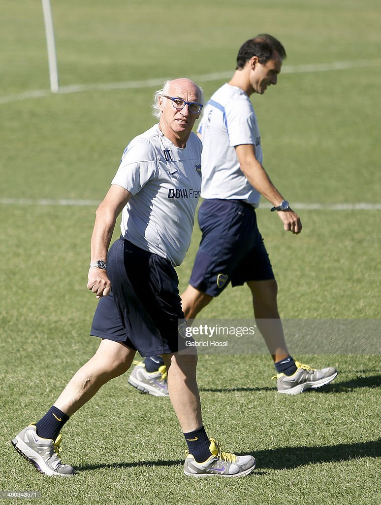 <a gi-track='captionPersonalityLinkClicked' href=/galleries/search?phrase=Carlos+Bianchi&family=editorial&specificpeople=772885 ng-click='$event.stopPropagation()'>Carlos Bianchi</a> coach of Boca Juniors looks on during a Boca Juniors training session at Casa Amarilla on january 03, 2014 in Buenos Aires, Argentina.
