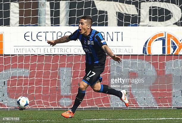 Carlos Carmona of Atalanta BC celebrates after scoring the opening goal during the Serie A match between Atalanta BC and UC Sampdoria at Stadio...