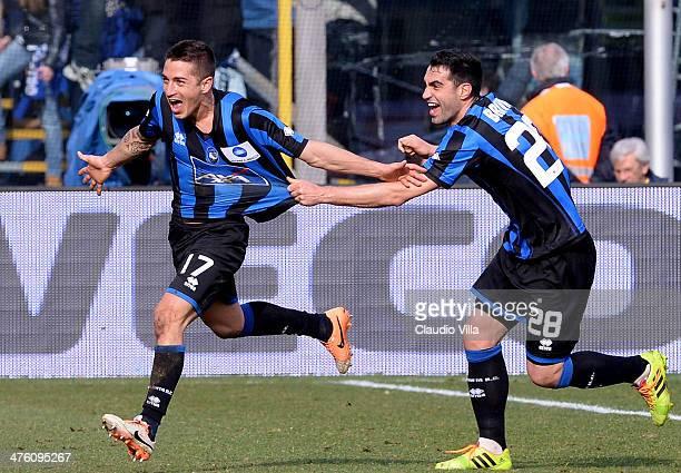 Carlos Carmona of Atalanta BC celebrates scoring the first goal during the Serie A match between Atalanta BC and AC Chievo Verona at Stadio Atleti...