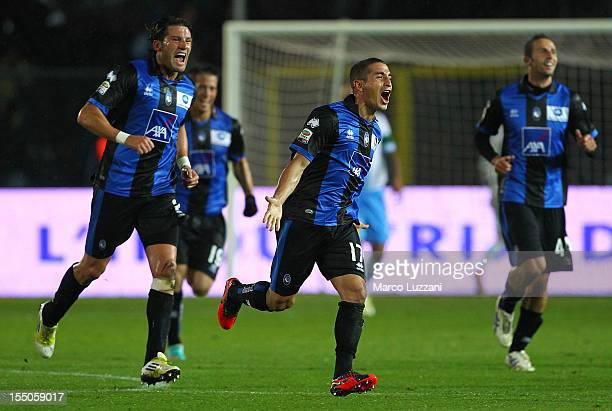 Carlos Carmona of Atalanta BC celebrates with his teammates after scoring the opening goal during the Serie A match between Atalanta BC and SSC...
