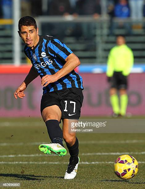Carlos Carmona of Atalanta BC in action during the Serie A match between Atalanta BC and Cagliari Calcio at Stadio Atleti Azzurri d'Italia on...