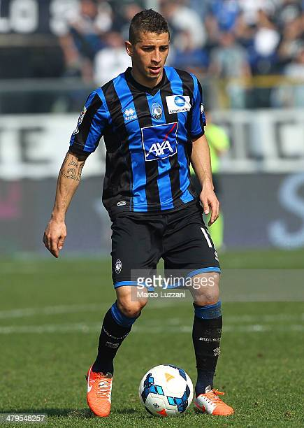 Carlos Carmona of Atalanta BC in action during the Serie A match between Atalanta BC and UC Sampdoria at Stadio Atleti Azzurri d'Italia on March 16...